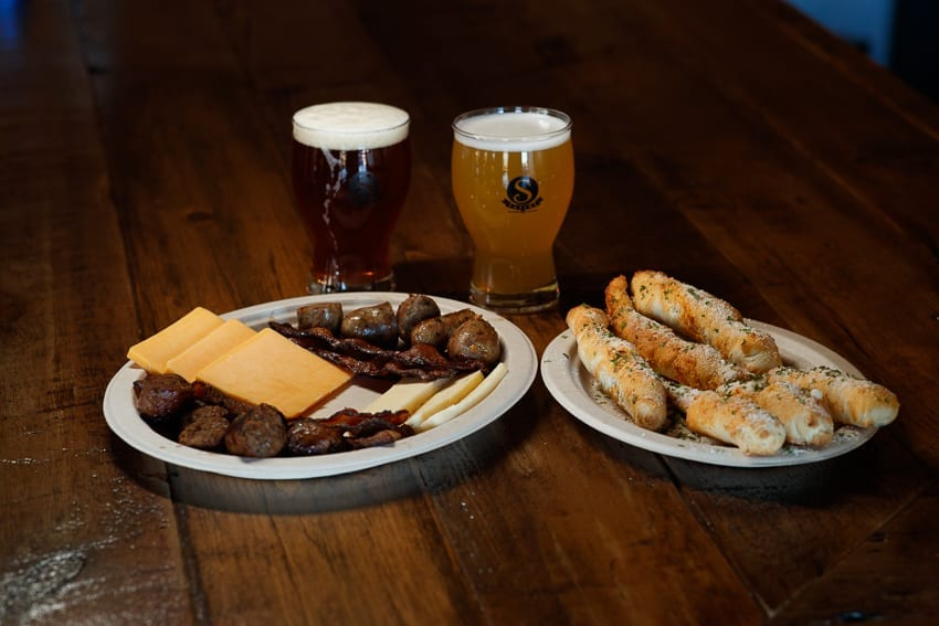 Thanksgiving Beer Pairings: A Complete Guide